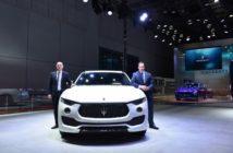3 - Maserati al Shanghai Auto Show 2017 - Mirko Bordiga Managing Director Maserati China (sn) - Reid Bigland CEO Maserati (ds) (Custom)