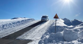Mercedes EQV, massima resistenza su neve e ghiaccio: test estremo al Circolo Polare Artico